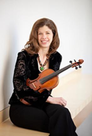 Photo Person Jill Olson violinist summer soloist