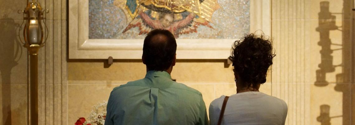 Lady of Guadalupe_prayer_couple_crop